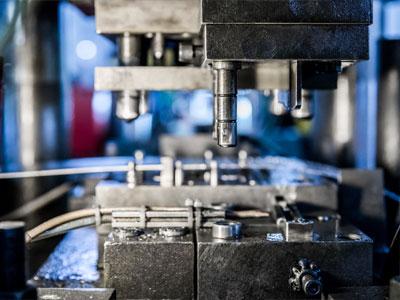 Horizon-tweezer-manufacturing-process-stamping