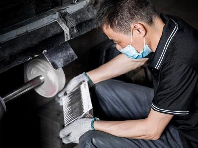 Horizon-tweezer-manufacturing-process-polishing
