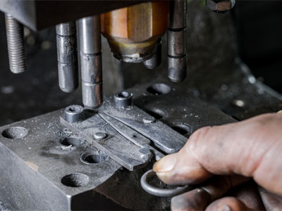 Horizon-nail-clipper-and-scissors-manufacturing-process-stamping
